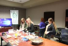 A few students getting bagels