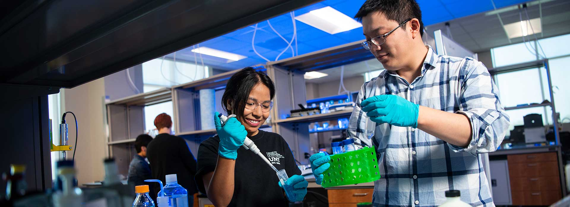 Two students collaborating in the lab.